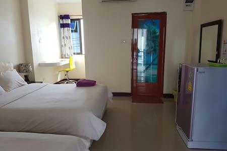 Queen homestay resort style Mae sod - Mae Sot