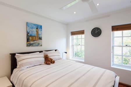 Large, private bedroom, Surry Hills
