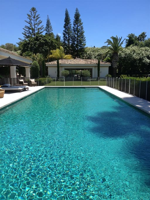 20ft Heated Swimming Pool