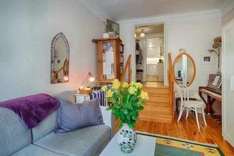 Bra, trevligt läge. Mysig liten lägenhet. Siw är trevlig och väldigt serviceinriktad. Skön säng.