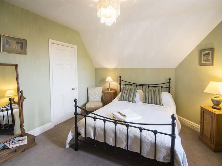 Room 5 at No. 21 Guest Accommodation