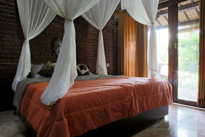 BULIAN Homestay  Real Eco HOMESTAY - Kubutambahan - Bed & Breakfast
