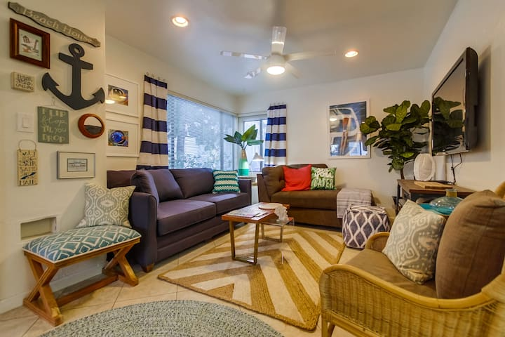 Sunny Beach Cottage- New Furnishings, Decorations, Private Ground Floor Patio! - San Diego