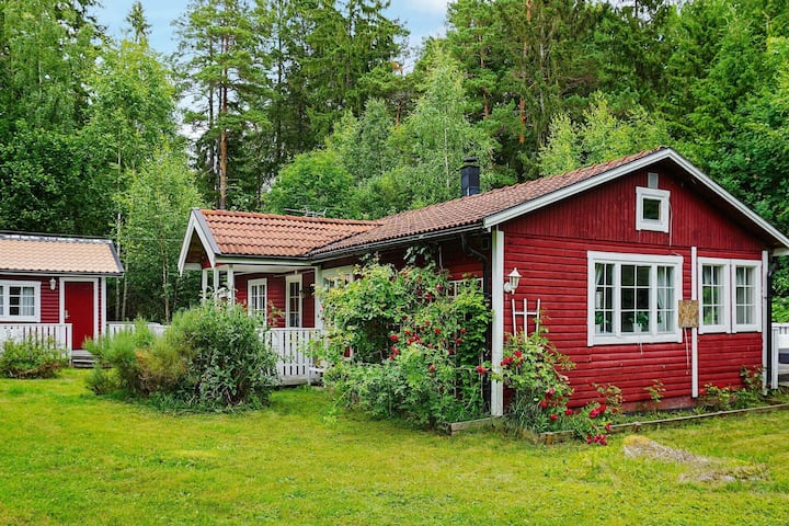 8 person holiday home in ÖSTHAMMAR