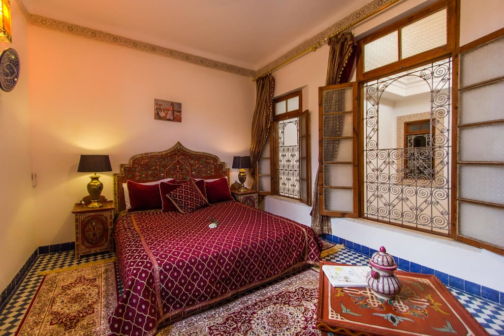 B b modern cosy room 5 pax wifi bed and breakfasts en for Airbnb fez