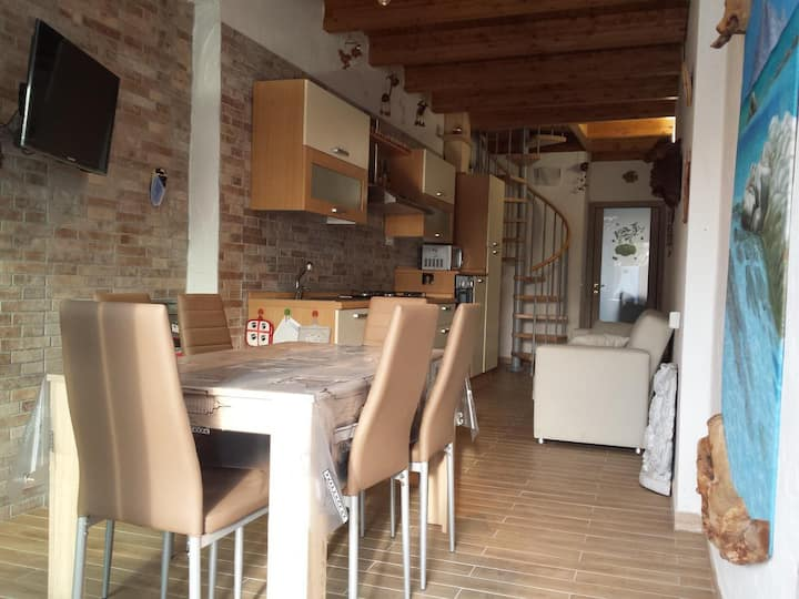 Holiday Apartment Zia Mariolina with Wi-Fi, Air Conditioning, Garden & Terrace; Parking Available