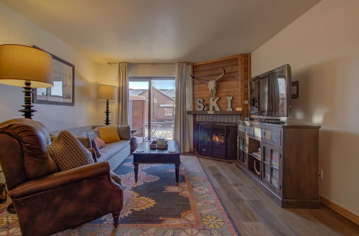 Fantastic Steamboat Condo, Outstanding Views, and Great Amenities! Timber Run 419