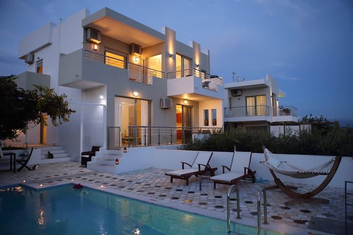 """Euphoria villas - Villa """"Thalassa"""" (8 People)"""