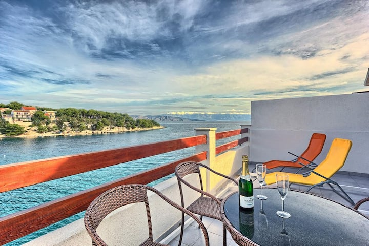 Two bedroom apartment near beach Basina, Hvar (A-5699-b)