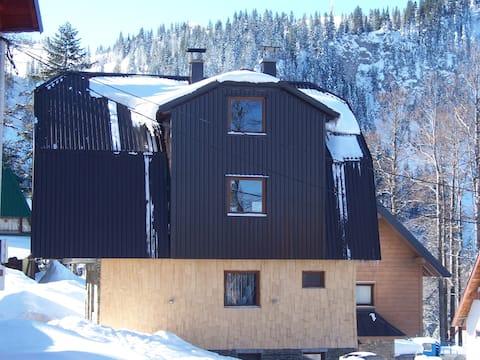 "Luxus Apartmani ""Zimski San"" Nr.3  Sauna , Kamin"