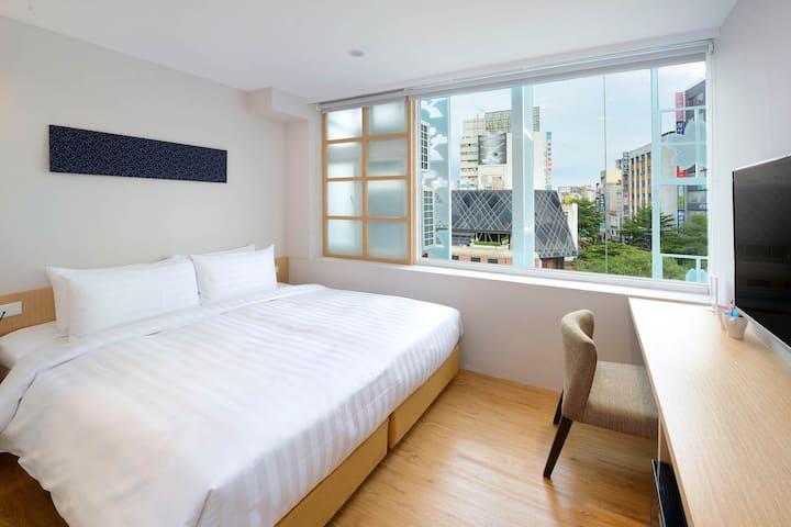 [Shin Sei Bashi Hotel] Elite Double Room