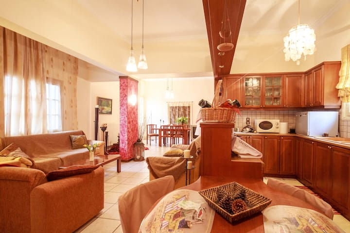 Cozy ample home for 4 people - 5* reviews! - Souda