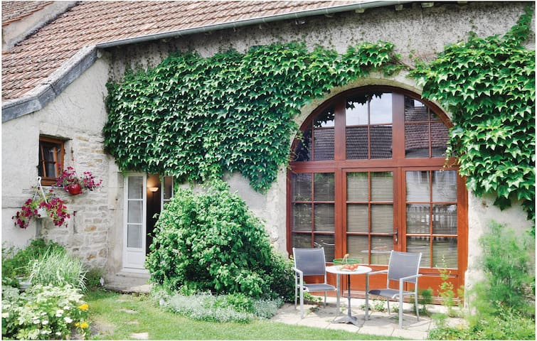 Semi-Detached with 1 room on 38 m²