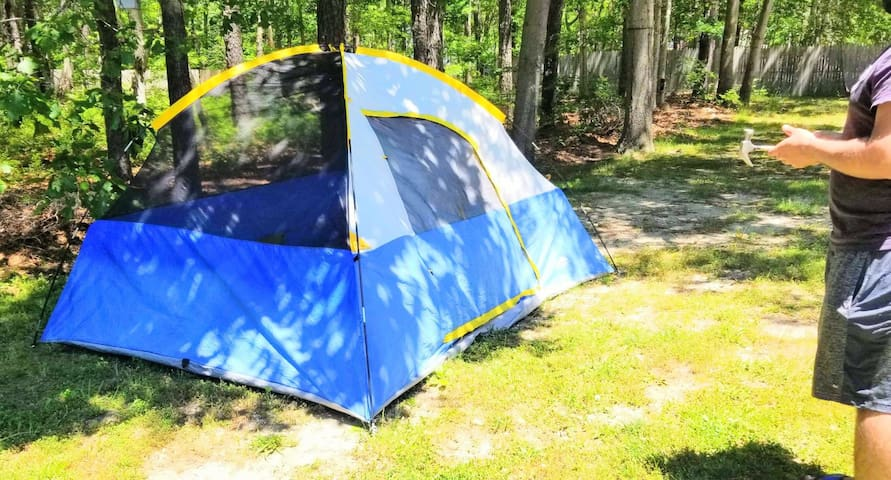 PECULIAR TENT CAMPING EXPERIE./CLOSE TO ALL. FIT 4