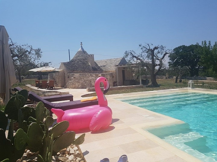 Trullo with pool and jacuzzi.