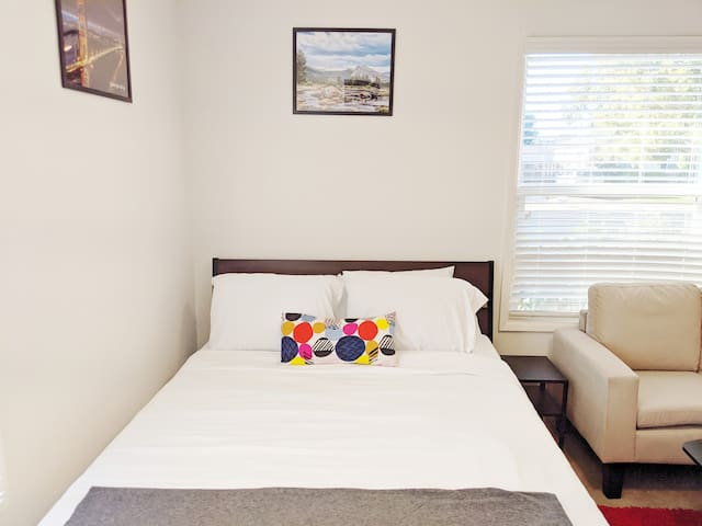 Spacious, guest suite near SJC, ValleyFair