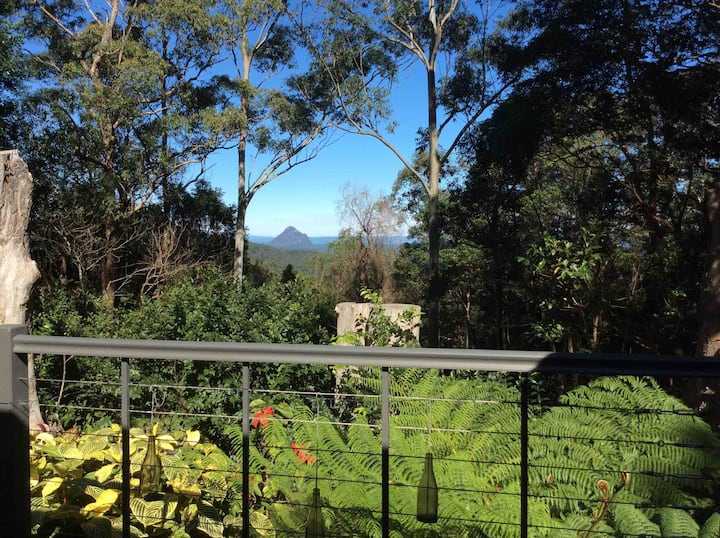 Country cottage near MALENY