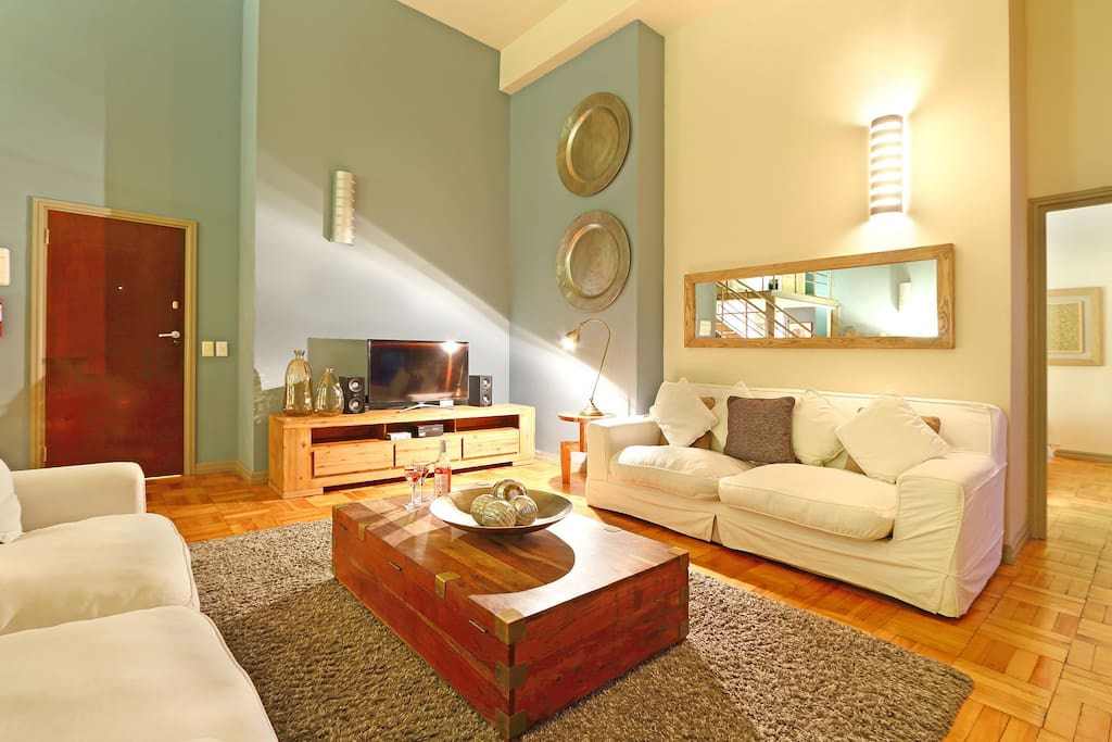 Cape's Citi-Loft Lounge