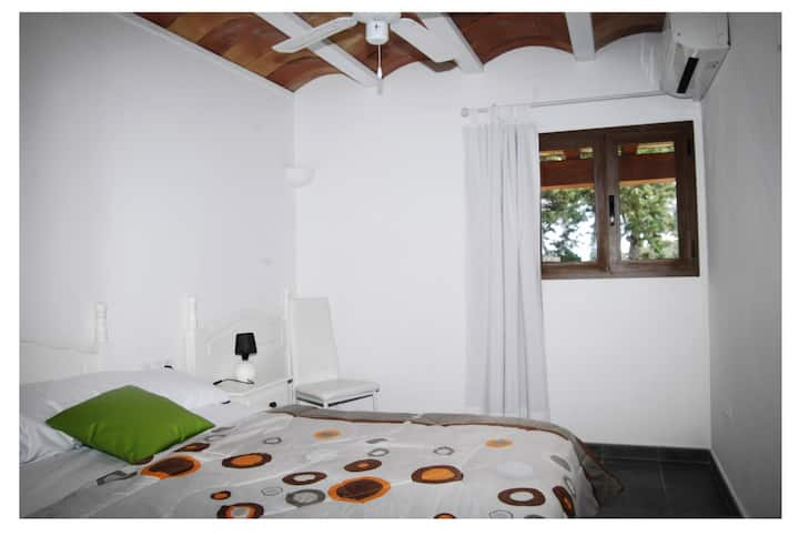Lovely Double bedroom at charming Finca w/Seaview