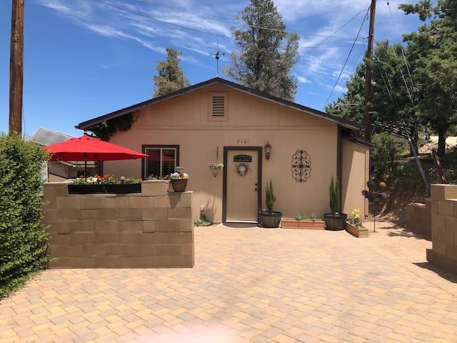 Prescott Cottage Getaway