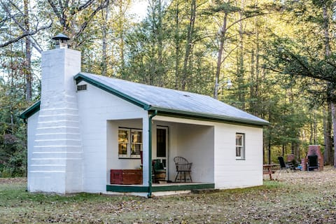 Creekside Midcentury Tiny House @Camp Bearwallow