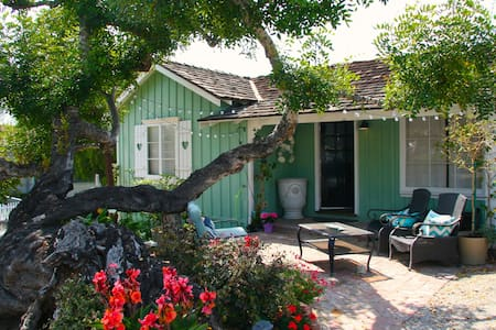 Enchanting Whimsical Ocean Cottage - Laguna Beach - Cabana