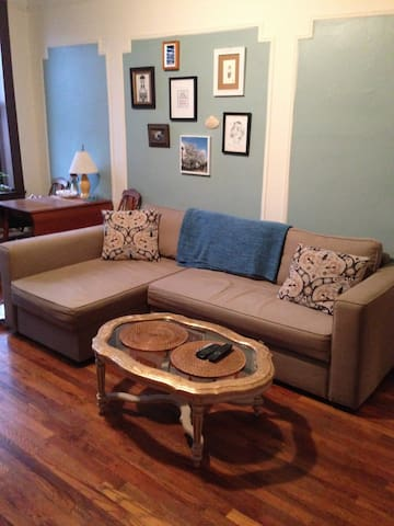 Spacious 1 bdr in astoria queens appartements louer for Aki kitchen cabinets astoria ny