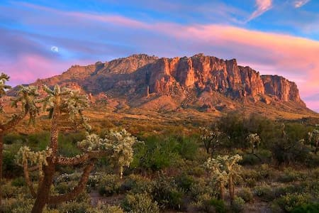 Sleepy Hollow in the Superstitions - Gold Canyon