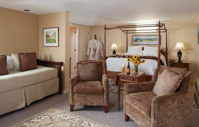 Romantic Mad River Valley Getaway - Waitsfield - Bed & Breakfast
