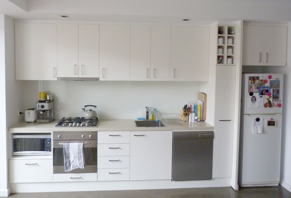 Fully equip kitchen.