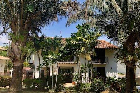 Casa AguaLuna, Cauca Viejo