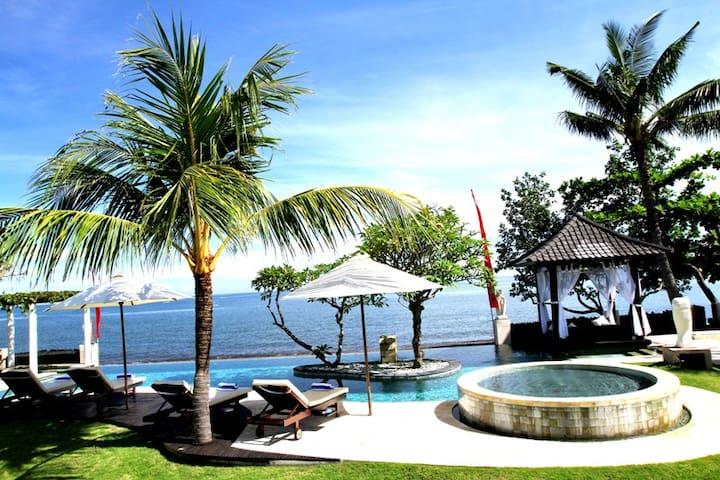 Luxury Beach Villa Lovina Bali - Buleleng - Villa