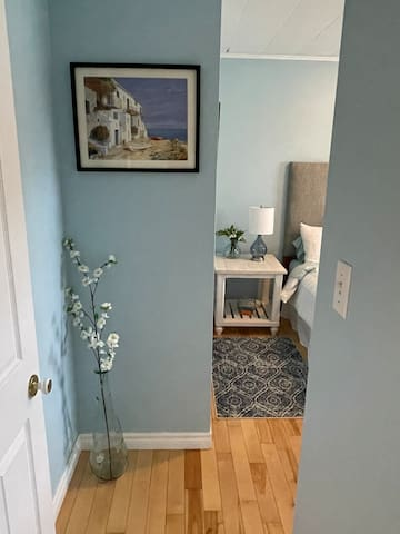Coastal blue and deeply relaxing atmosphere in this room inspired by my friend Tony. Create your mood. Queen mattress and box spring. New. Mattress protector new Sheets with high thread count.