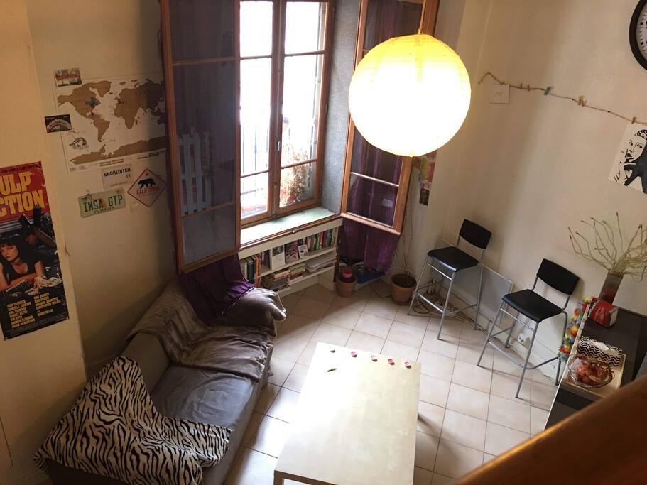 Salon : Photo prise depuis la mezzanine