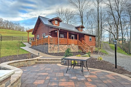1BR + Loft Dundee Cabin w/ Private Hot Tub! - Dundee - Cabin