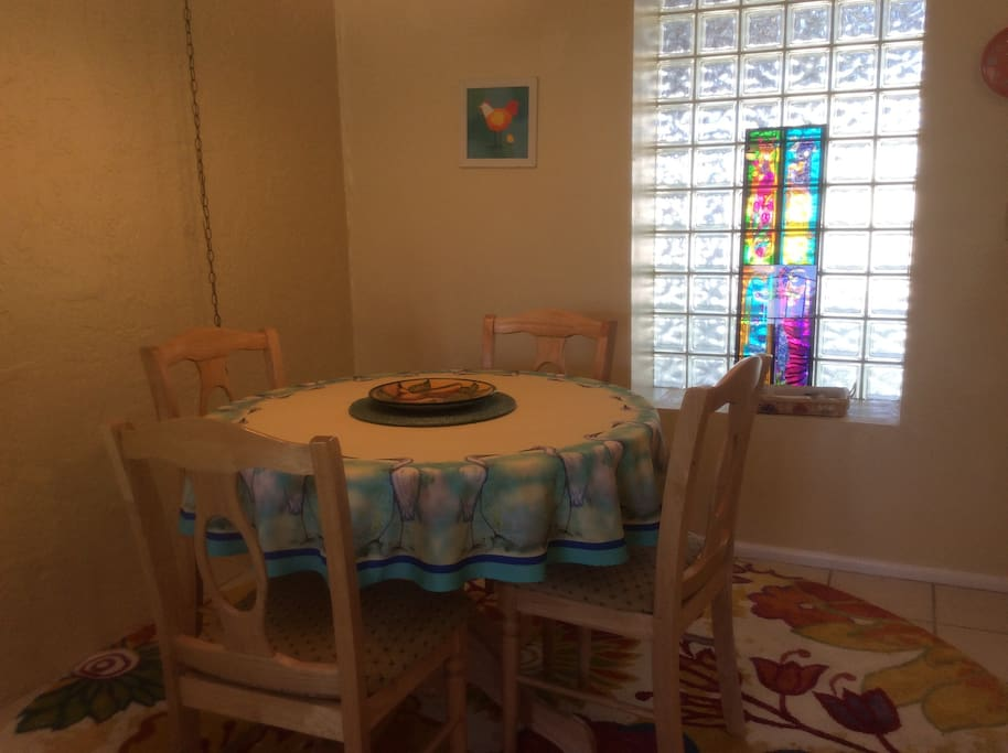 Welcome to picasso 39 s casa you will love it for Indoor pool mesa az