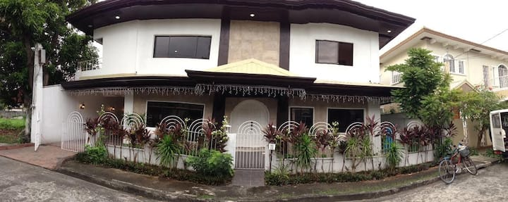 Grand Vacation Home Phil.  :2 independent storeys