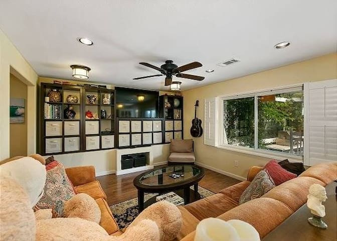 Carlsbad Beach Bungalow Corporate Rental 60+ days
