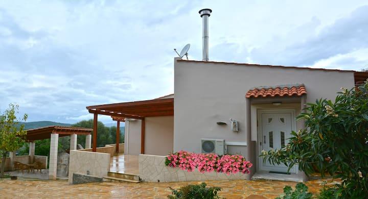 Κατοικία στο χωριό Ζουνάκι
