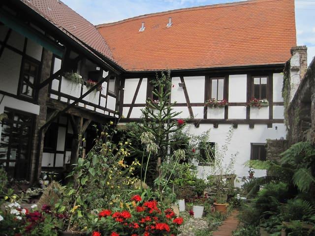 Ferienwohnung in KA-Grötzingen - คาร์ลสรูห์ - บ้าน