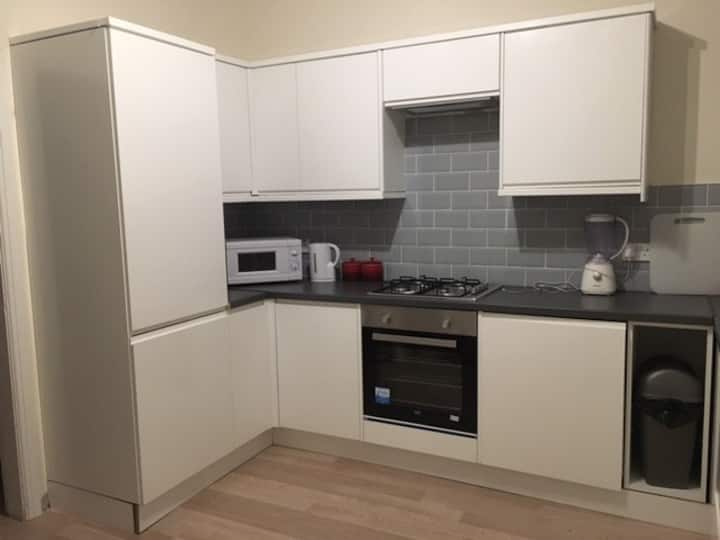 Lovely Double Room Close to City Centre.