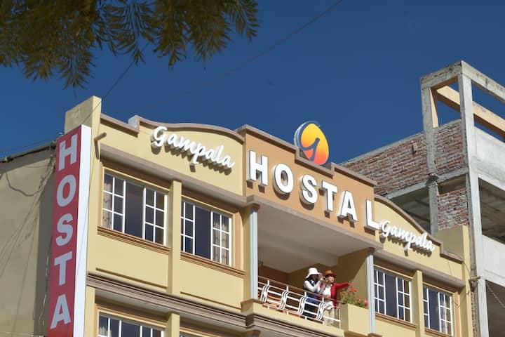 Hostal Gampala. Habitación Matrimonial