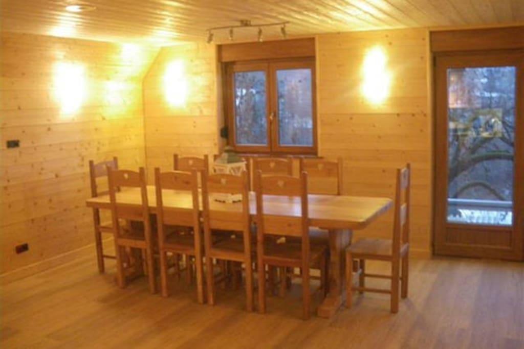 Salle commune pour des repas conviaux
