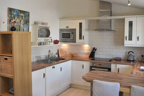 Hideaway Cottage central in seaside town Beaumaris