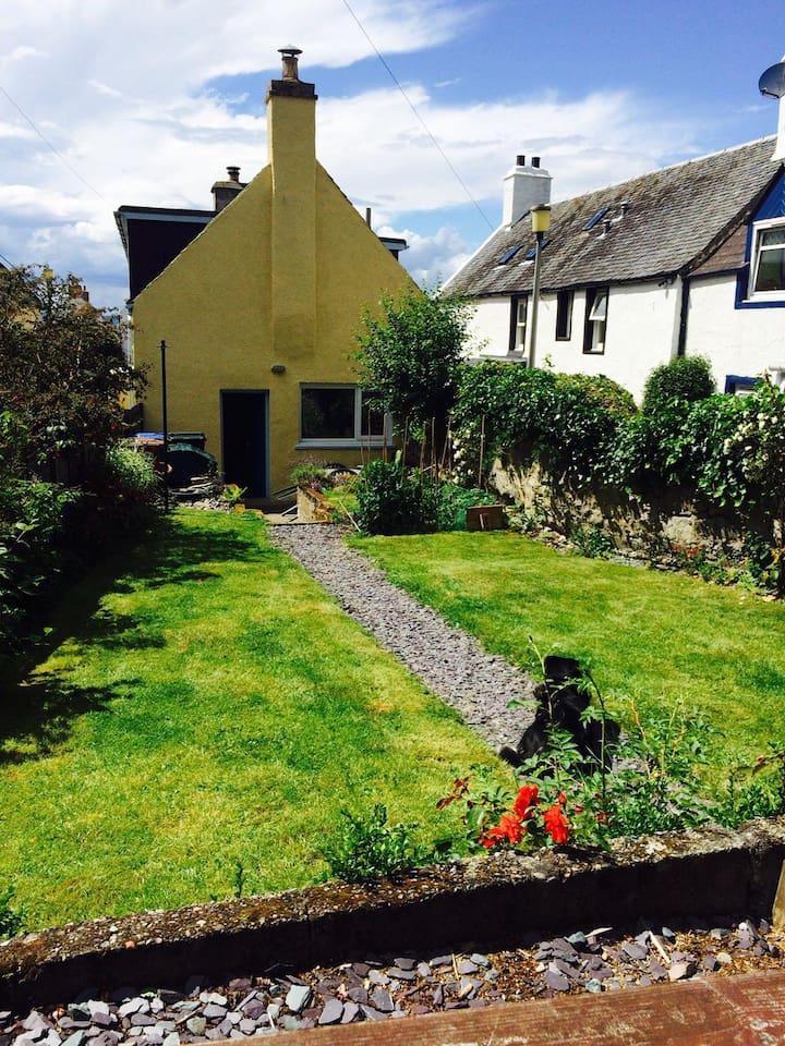Beautiful sunny back garden.