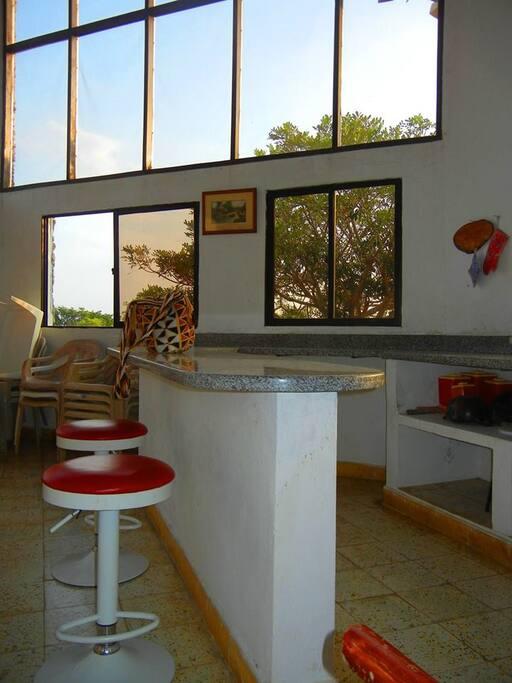 barra principal cocina,  interior de la casa
