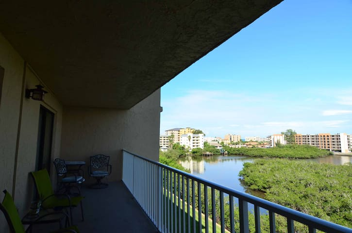 5th floor private balcony over looking beautiful intercoastal waters