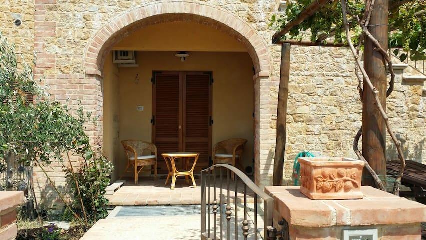 Tuscany villa with incredible views - Monticchiello - Hus