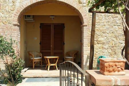 Tuscany villa with incredible views - Monticchiello - 独立屋