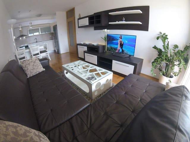 Квартира с красивым видом на море - Bar - Apartament